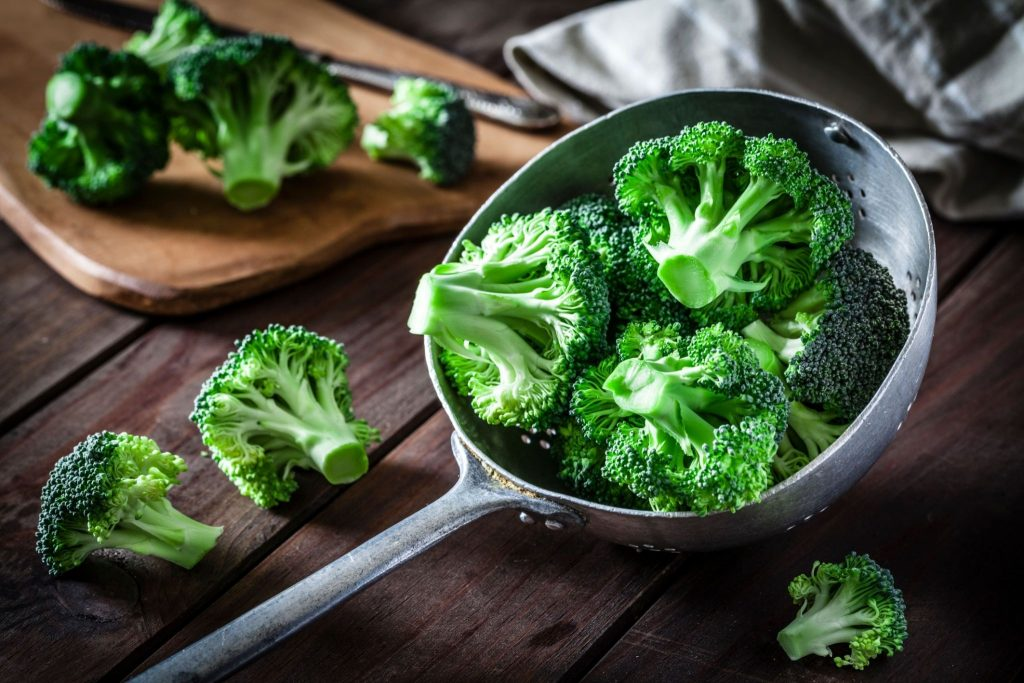 how much iron does broccoli have